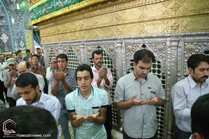 اقامه نماز عید فطر در حرم مطهر کریمه اهلبیت(س)