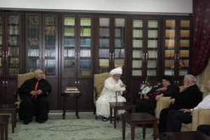 مبارزه با دشمنان مسلمان نما موجب استقرار صلح و ثبات است