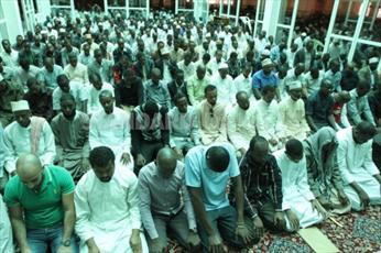 پذیرایی یک مسجد از رهبران مسیحی کنیا+ عکس