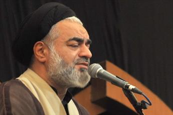 وهابیون به نام قرآن تیشه به ریشه اسلام می زنند