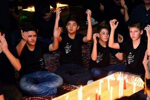 ایرانیان مقیم رومانی در شام غریبان حسین(ع) به سوگ نشستند + تصاویر