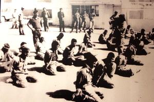 از شهادتین فرمانده عراقی تا منبر و خطابه در اردوگاه اسارت!