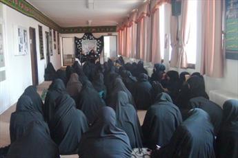 استقبال دانش آموزان از حضور طلاب در مدارس فولادشهر