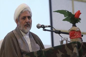 آمریکا به دنبال تغییر روح استکبار ستیزی ملت ایران است