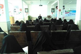طلاب خواهر ساری مبانی نفوذ در جریان انقلاب اسلامی را بررسی کردند