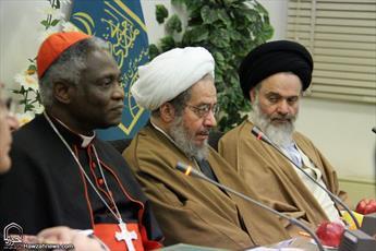تصاویر/ دیدار رئیس شورای پاپی صلح و عدالت واتیکان با اعضای جامعه مدرسین حوزه علمیه قم
