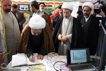 تصاویر/ بازدید آیت الله مقتدایی از نمایشگاه دستاوردهای انقلاب در حوزه خواهران