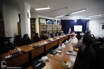 تصاویر/ دیدار مسئولین سازمان بسیج و هنرمندان استان قم با مراجع و علما