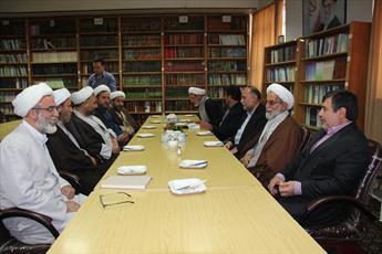 تحصیل ۱۸۲ طلبه در مدرسه علمیه امام صادق (ع) قزوین