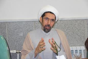 استاد حوزه علمیه قزوین: از دین برای منافع خود هزینه نکنیم