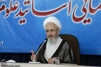 اولین پایه گذار علوم عقلی حضرت علی(ع) است/مجمع عالی حکمت کتب غربی را رصد و بررسی کند