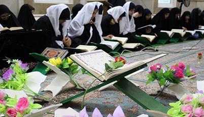 ختم ۱۸ دوره قرآن کریم و ۱۶۰ هزار صلوات در حرم کریمه اهلبیت(س)