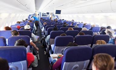 اخراج از هواپیما به خاطر سرو نکردن مشروب