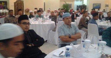 علمای جهان اسلام  با دانش آموزان و جوانان وارد گفتگو شوند