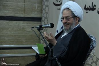 هتک حرمت افراد در رسانه ها جنگ با خداست/ رسانه حوزه نماد حوزه انقلابی است