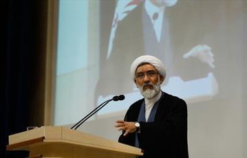 هر کس بخواهد به امام خمینی ضربه بزند، سرنوشتش رسوایی و نابودی است