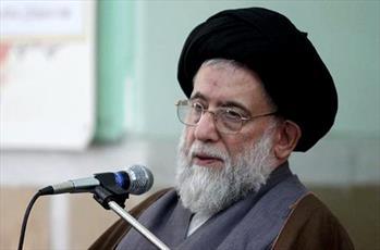 تقویت انقلاب اسلامی را عبادت بدانیم / اتحاد، تقویت کننده مبانی انقلاب اسلامی است