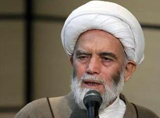 توسعه و پشتیبانی از حوزه های علمیه، تقویت اسلام و انقلاب است