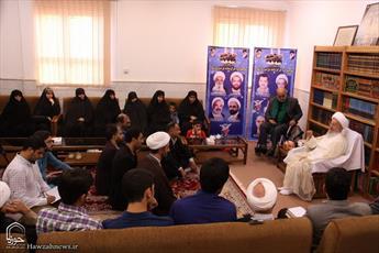 تصاویر/ دیدار جمعی ازخانواده های شهدای فاجعه منا با آیت الله العظمی مکارم شیرازی
