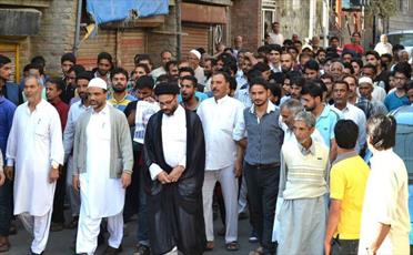راهپیمایی اتحاد شیعیان و اهل تسنن در کشمیر برگزار شد+ تصاویر