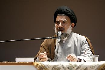 انقلاب اسلامی ایران الگوی ایثار و مقاومت برای جهانیان است
