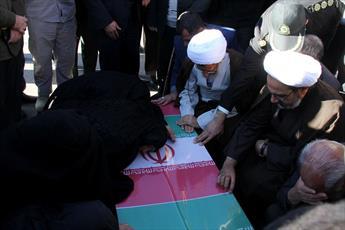 ملت ایران در دفاع از ارزش ها خستگی ناپذیرند