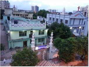 همزیستی  مسجد، کلیسا و  معبد هندوها در فاصله ۵۰۰ متری!
