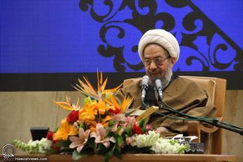 دشمن در کمال بیانصافی مدعی تضییع حقوق زنان در ایران است/ تحصیلکردگان جامعة الزهرا شبهات مربوط به جایگاه زن را پاسخ دهند