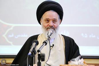 آیتالله حسینیبوشهری: شعار منهای روحانیت دوام نمیآورد