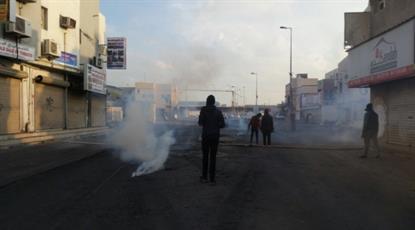 ساکنان یک شهرک بحرینی مقابل گشتیهای آلخلیفه مقاومت کردند