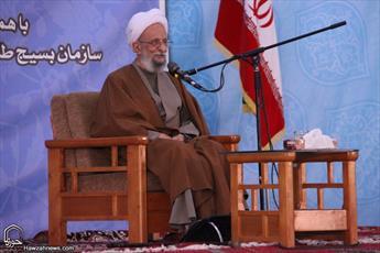 هنوز نتوانسته ایم برکات انقلاب اسلامی را تشریح کنیم/ بزرگترین نقش در تحقق انقلاب اسلامی را روحانیت بر عهده داشت