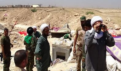 گزارشی از فعالیت جالب روحانی خوزستانی در متن جنگ سوریه