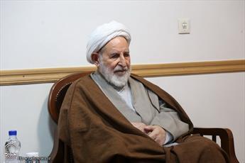 حوزه و روحانیت با همان روحیه انقلابی باید از نظام اسلامی دفاع کند