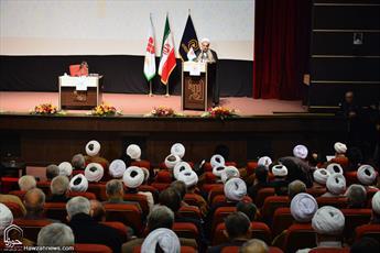 انقلاب ایران، نگاه جهان به گفتمانهای دینی را تغییر داد/ آمادگی مجلس برای توسعه زیرساختهای حوزه خواهران