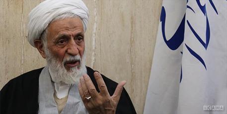 عده ای پروژه حذف روحانیت از متن نظام را پیگیری می کنند/ حوزه، روح انقلاب اسلامی است