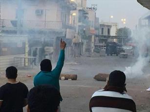 بیاحترامی مزدوران آلخلیفه به دسته عزاداری حضرت زهرا(س) +عکس