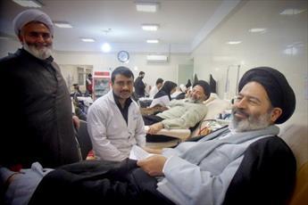 اهدای خون در بین مسئولان و مردم فرهنگ سازی شود