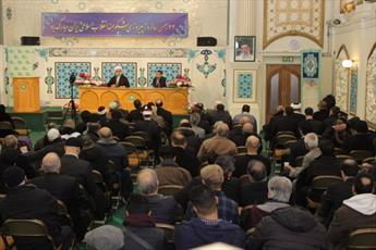 دموکراسی با تعالیم اسلامی هماهنگ است / فرهنگ و هویت را نمیتوان از بازار خرید