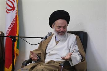 نقشههای دشمن با یک سخنرانی رهبر انقلاب خنثی میشود  / روحانیت فدایی انقلاب است