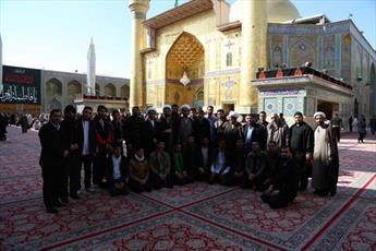 حضور جمعی از طلاب حوزه علمیه قم در حرم امیرالمؤمنین(ع)