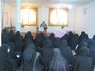 ثبت نام بیش از ۷۳۰ داوطلب برای ورود به حوزه خواهران لرستان