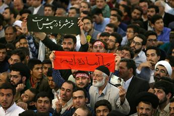 تصاویر/ سخنرانی رهبر معظم انقلاب در اجتماع زائران و مجاوران حرم رضوی