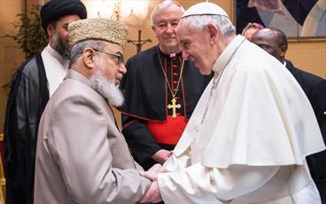 جمعی از ائمه جماعات انگلستان  و پاپ دیدار کردند