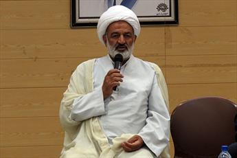 اندیشه های امام خمینی(ره)برای نسل جوان تبیین شود