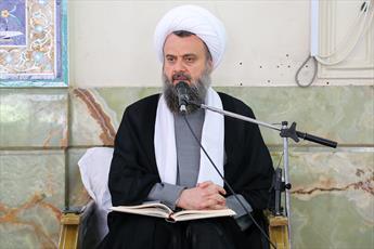 استاد هادوی تهرانی عزادار شد