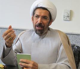دشمن با همه امکانات  بی عفتی را در ایران  رواج  می دهد