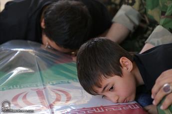 تصاویر/ وداع مردم قم با شهید حجت الاسلام تقوی