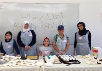 اطعام بیخانمانها در تورنتو توسط پناهجویان سوری و عراقی