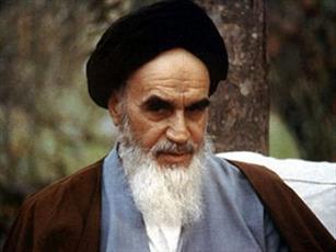 """واکنش امام خمینی(ره) به جمله """"رهبر حوزه های علمیه"""""""