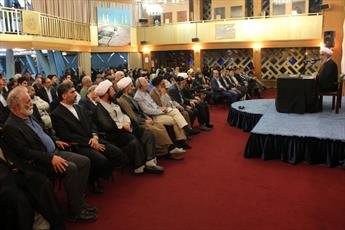 امام شخصیتی  فرامنطقه ای، فراتاریخی و الگوی کاملی برای مسلمانان و غیر مسلمانان است